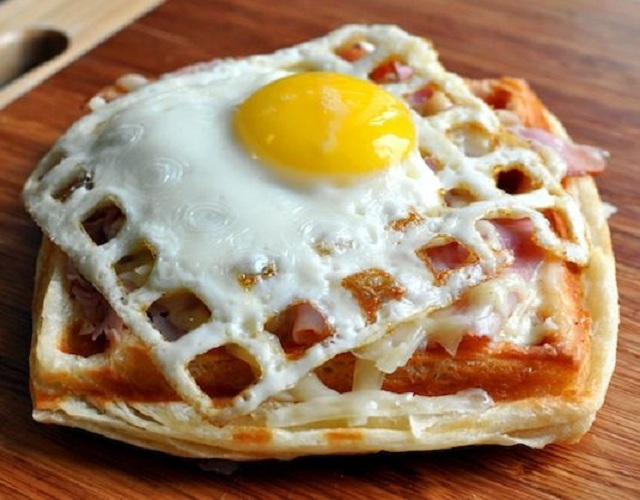 15-Tasty-Foods-Made-With-The-Waffle-Iron-2