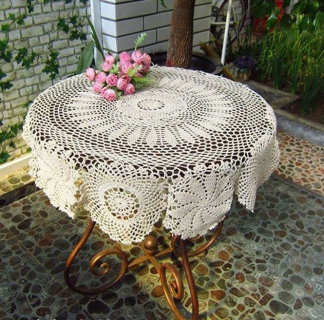 Vintage-Handmade-Crochet-Tablecloth-3