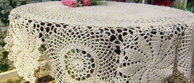 Vintage-Handmade-Crochet-Tablecloth-4