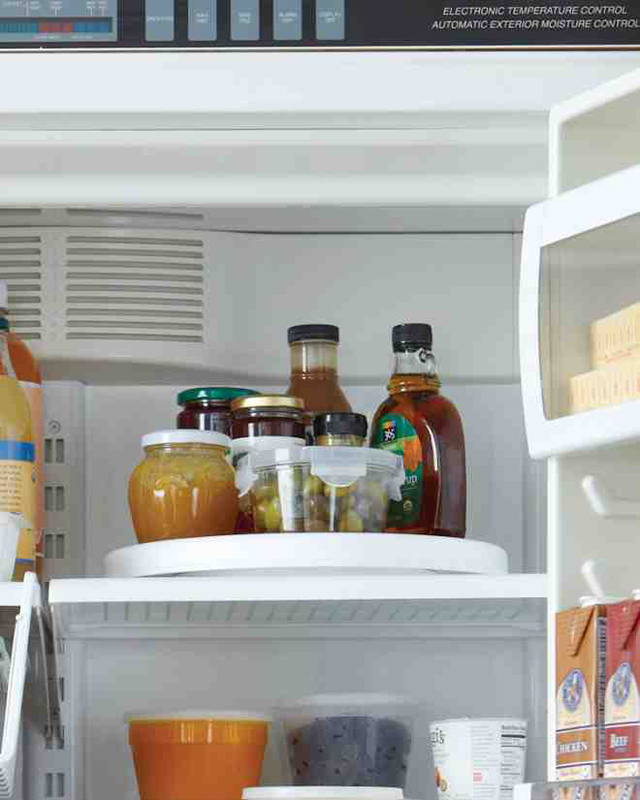 12-Tips-Tricks-For-Organizing-And-Cleaning-Your-Fridge-3