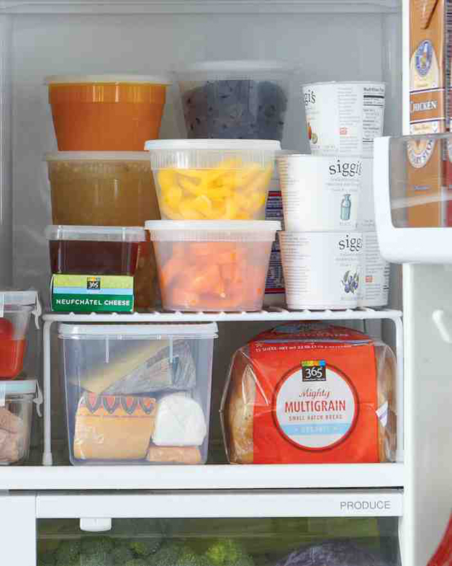 12-Tips-Tricks-For-Organizing-And-Cleaning-Your-Fridge-6