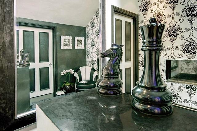 colorful-impressive-design-apartment-in-london-18
