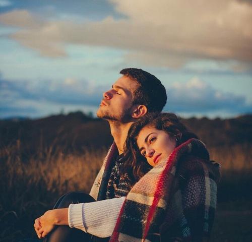 12 signes qu il n est pas seulement votre petit ami il est votre me s ur un jour de r ve. Black Bedroom Furniture Sets. Home Design Ideas