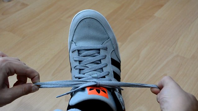 How To Tie Your Shoelace In 1 Second