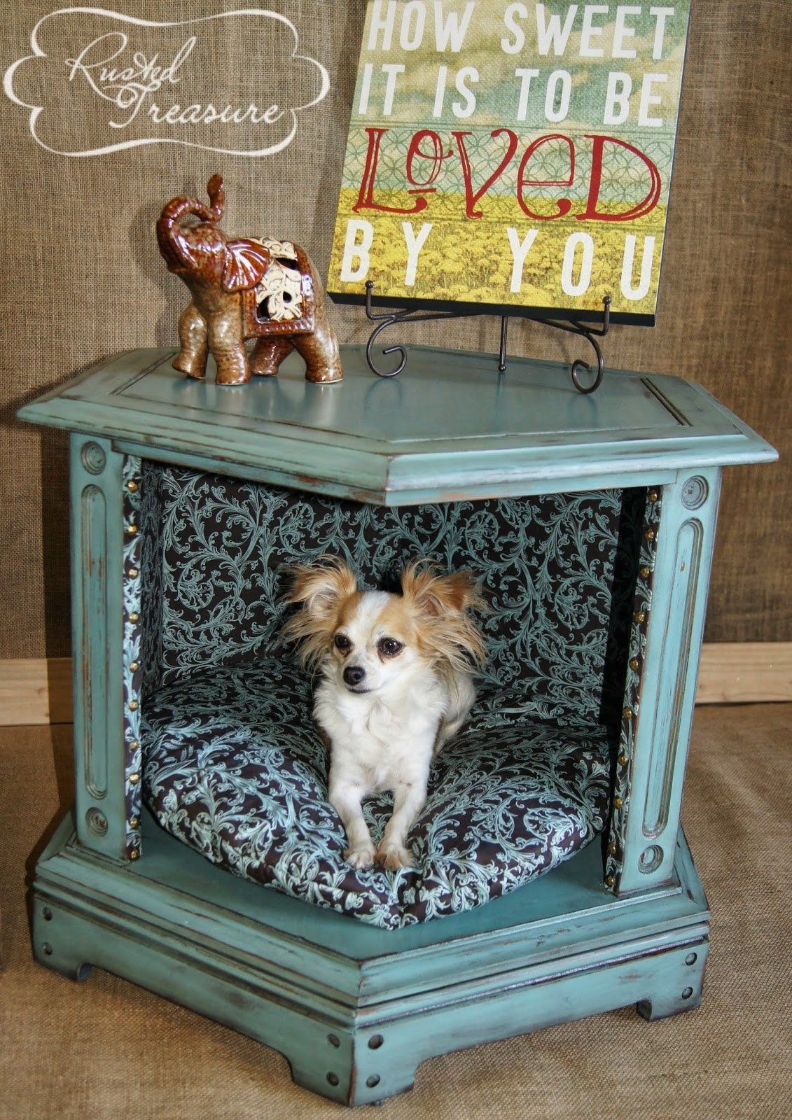 royal-pet-bed-from-old-table-dip-feed-3