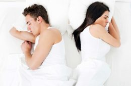 01 Back Sleep Positions for Couples and What They Reveal About Your Relationship iStock 20211348 LARGE 760x506