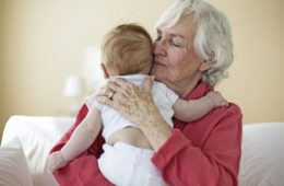 Les grands parents qui gardent leurs petits enfants vivent plus longtemps 634x375