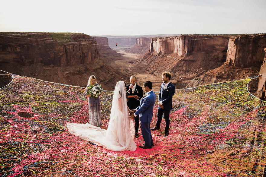Marriage done at 120 meters high will take your breath away 5a65abd925d4c 880