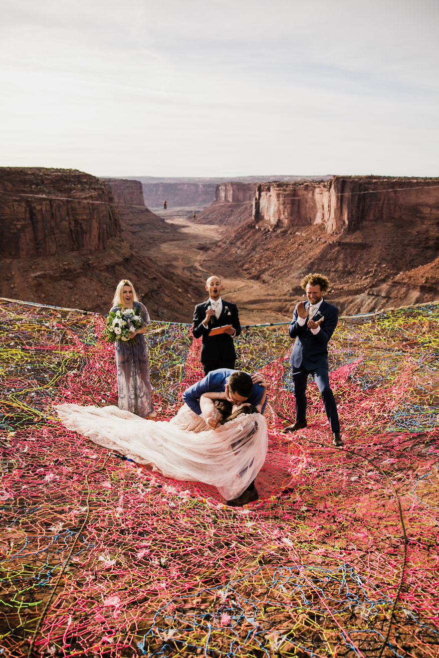 Marriage done at 120 meters high will take your breath away 5a65abe43513c 880