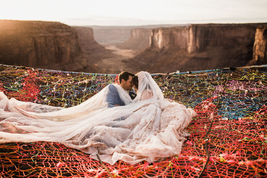 Marriage done at 120 meters high will take your breath away 5a65abf8c6dca 880