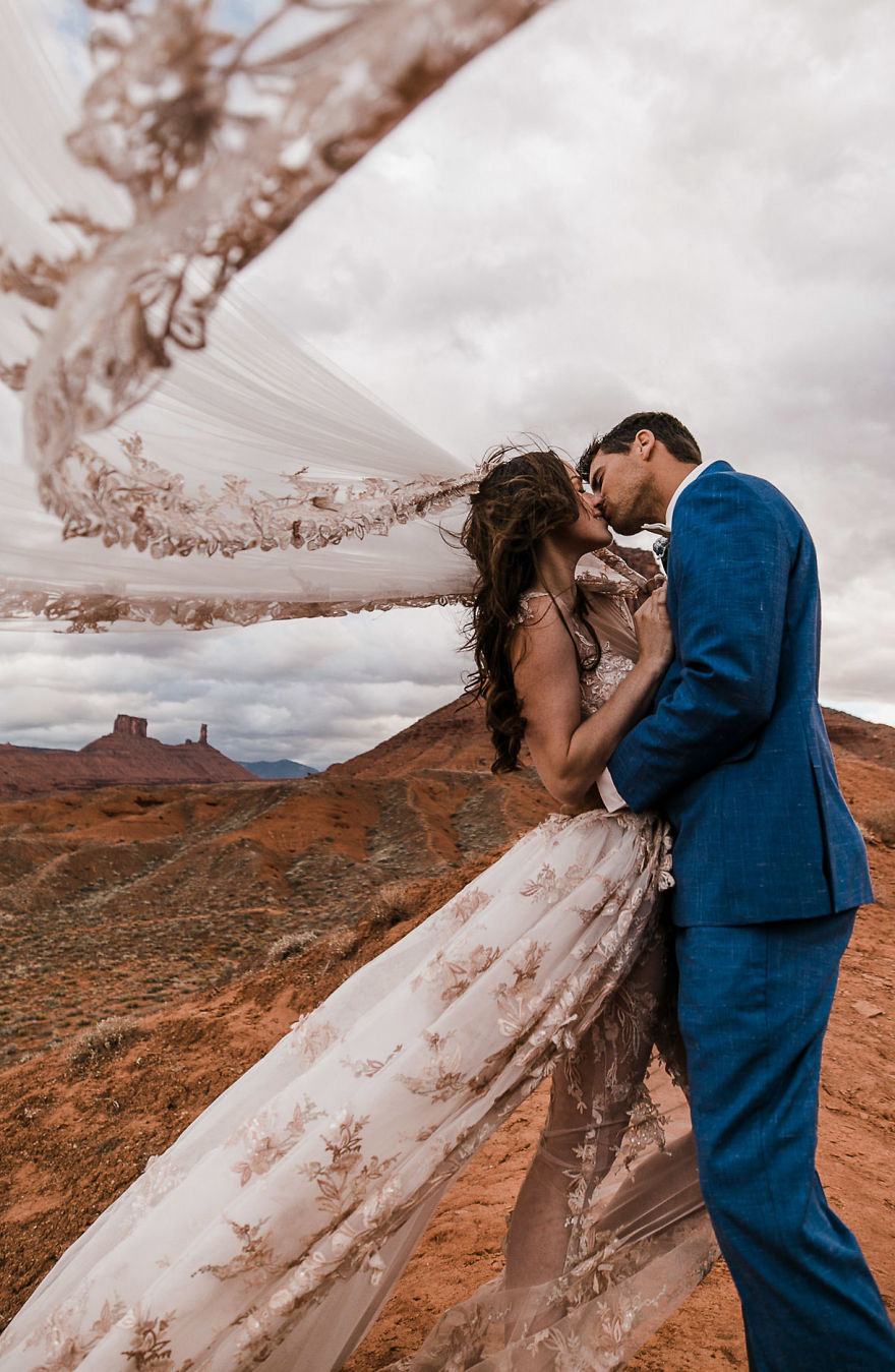 Marriage done at 120 meters high will take your breath away 5a65b4e90dcc2 880