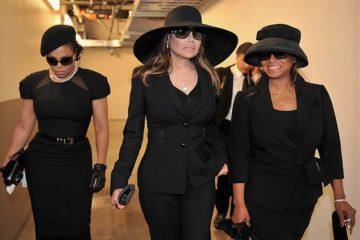 la ragione psicologica del perche molte donne amano indossare il nero